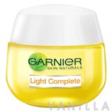 Garnier Light Complete SPF17 PA++